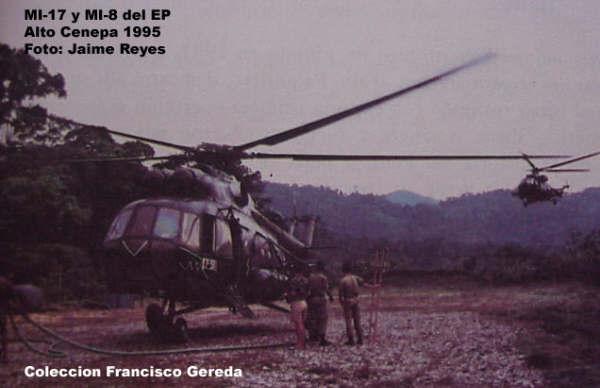 Helic�pteros de la AEP en un helipuerto en la zona del Cenepa
