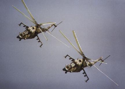 Pareja de Helicópteros peruanos de ataque Mi-25 Hind D
