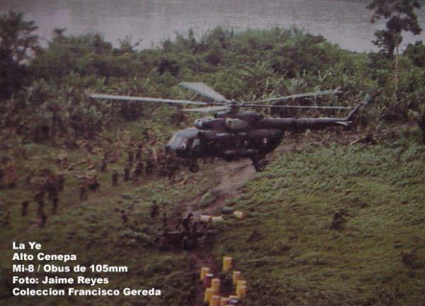 Helicóptero de la AEP en misión de apoyo logístico