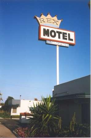 Ventura motels for Motel one wellness