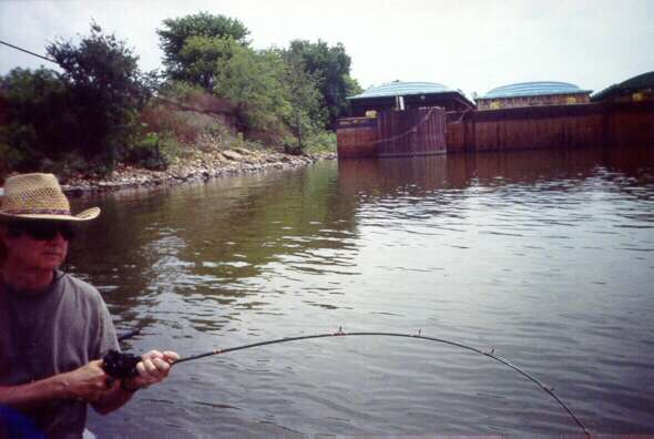 Creating memories textlisting for Illinois river fishing